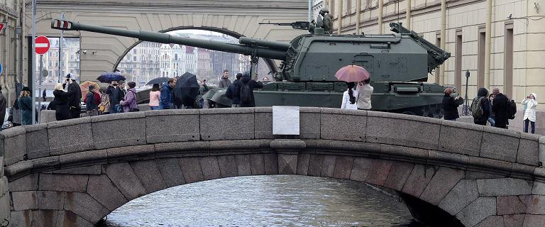 Rosja wskakuje na podium państw najwięcej wydających na wojsko. Polska daleko