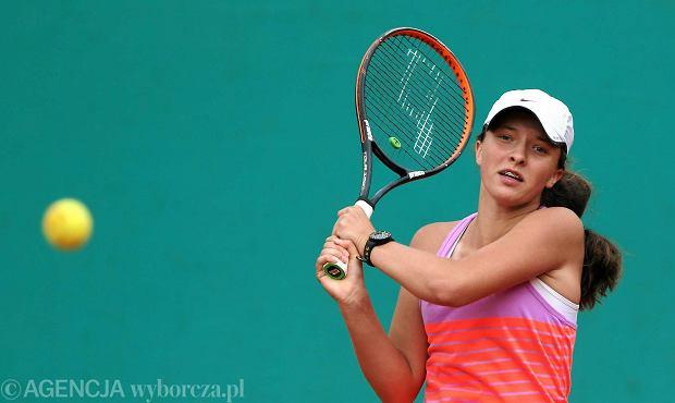 Zdjęcie numer 1 w galerii - Australian Open. Iga Świątek pokazała moc! Była dwie piłki od porażki, a wygrała