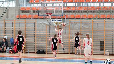 Druga kolejka Amatorskiej Szkolnej Ligi Koszykówki Dziewcząt za nami