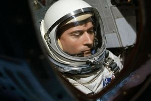 Zmarł John Young, legendarny astronauta. Zdobywca Księżyca, pilot pierwszego kosmicznego wahadłowca