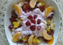 Sałatka karnawałowa bardzo owocowa - ugotuj