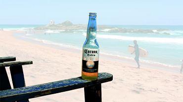Alkohole świata. Piwo Corona na plaży