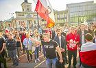 Nienawi�� na marszach przeciwko uchod�com. Policja nie interweniuje, ale nagrywa