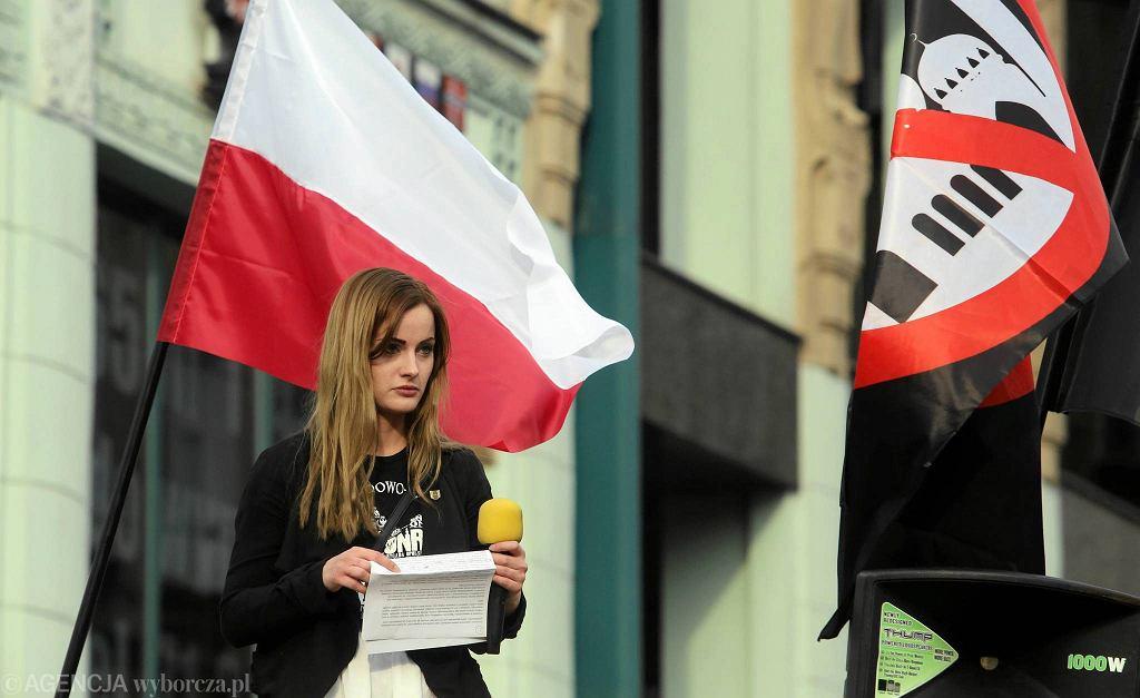 01.05.2016 Wroclaw . Demonstracja ONR za wyjsciem Polski z Uni Europejskiej . Justyna Helcyk . fot . Mieczyslaw Michalak / Agencja Gazeta