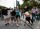 Policja apeluje do internaut�w: Znasz tych kiboli? Zg�o� si� do nas