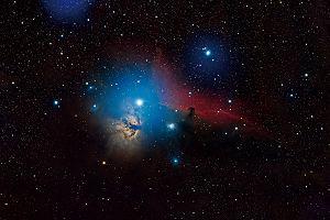 8ab4138f0e Kalendarz astronomiczny na 2017 rok ze zdjęciami zjawisk na nocnym niebie