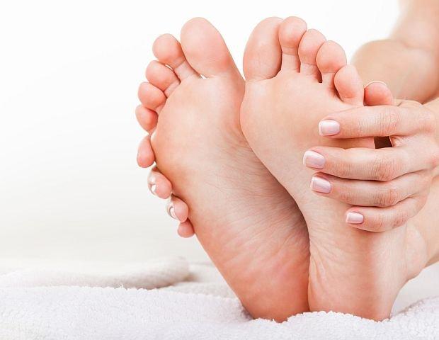 Wystarczaj�co Perfekcyjna Pani Domu: ciasne i obcieraj�ce buty - rozci�gamy, rozbijamy i korygujemy [DOMOWE SPOSOBY]