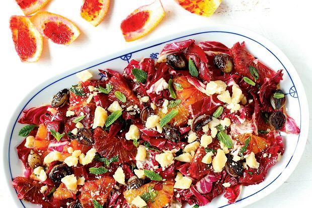 Sałatka z radicchio, pomarańczy i parmezanu