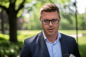 """""""Nie dystrybuuję ulotek wyborczych"""". Bardzo krótka pamięć kandydata na prezydenta Wrocławia"""