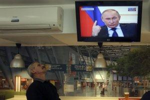 """""""Czuj� fizyczny b�l, jak patrz� na tego cz�owieka i s�ucham jego k�amstw..."""". Jak wygl�da dzisiaj propaganda w Rosji?"""