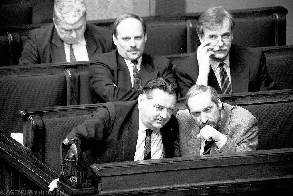 Jan Olszewski i jego rząd, kwiecień 1992