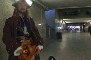 Kapitan Jack Sparrow zagrał na lirze w centrum Sosnowca