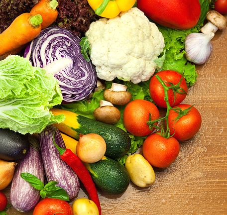 Niektóre warzywa i owoce maja wysoki indeks glikemiczny po obróbce cieplnej, dlatego lepiej jeść je surowe