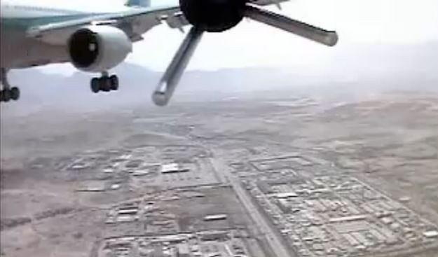 Dron Luna mija samolot pasażerski