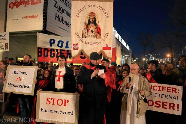 """""""Niezgoda na cenzurę"""". Ludzie kultury o """"Klątwie"""" i ukaraniu przez ministra festiwalu Dialog"""