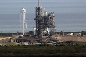 Udany start rakiety Falcon 9 z przylądka Canaveral na Florydzie