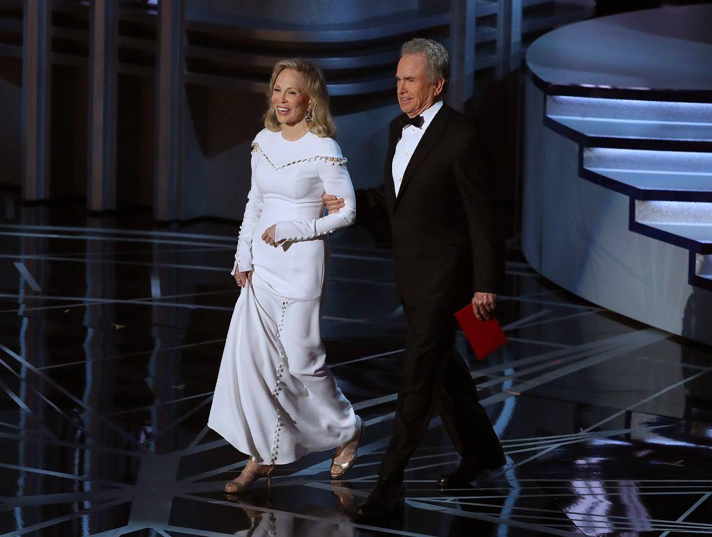 Największy skandal Oscarów! Warren Beatty pomylił zwycięzcę w kategorii najlepszy film. Czegoś takiego jeszcze nie było! / LUCY NICHOLSON / REUTERS / REUTERS