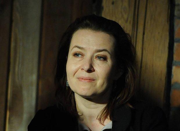 """""""Harda"""". Elżbieta Cherezińska jako nowy Sienkiewicz? Co akcentuje, co przemilcza i czym manipuluje"""