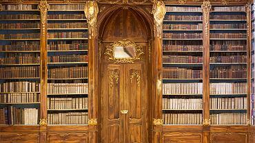 XVIII-wieczna Sala Filozoficzna biblioteki klasztoru na Strahowie w Czechach