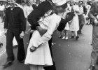 Kto si� ca�uje na jednej z najbardziej kultowych fotografii Ameryki? Astronom zasia� w�tpliwo�ci