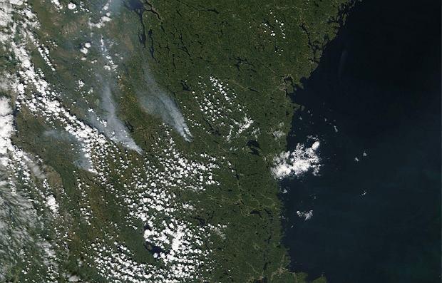 Pożary w Szwecji. Zdjęcia satelitarne z okolic miasta Ljusdal