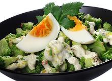 Sałatka brokułowa z jajkiem - ugotuj