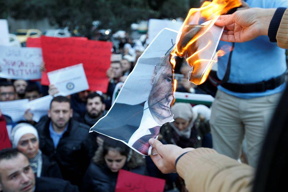 Protest pod ambasadą Rosji w Ammanie