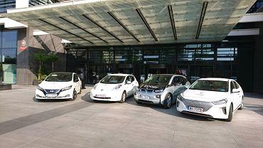 Trwa E-rajd dziennikarzy, którzy postanowili przekonać się, czy samochody zasilane na prąd sprawdzą się w długiej trasie. Wśród nich jest dziennikarka Radia TOK FM, Aleksandra Dziadykiewicz.