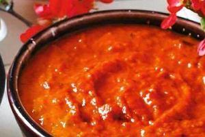 Toska�ski sos pomidorowy z nowalijek (Pommarola toscana )