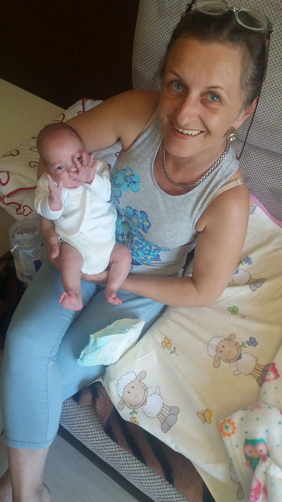 Nikola z babcią