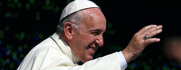 Papież spędzi pięć dni w kraju schizofrenicznym. Czy wezwie władze do poszanowania prawa? [OLSZEWSKI]