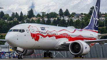 Boeing 737-8 MAX w rocznicowych barwach