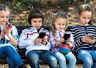 """Krzyki, bicie domowników, niszczenie rzeczy. """"Dziecko, któremu zabierze się smartfon, jest jak alkoholik"""""""