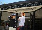 Wizjonerzy, marzyciele i szale�cy, kt�rzy chc� zmieni� �wiat - dzie� na Uniwersytecie Osobliwo�ci