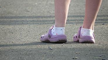Chodzisz czasem w takich butach? Po przeczytaniu tego artykułu, już nigdy ich nie założysz