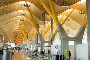 TOP 10: Najwspanialsze lotniska świata. Cuda architektury, szaleństwa projektantów i wielkie pieniądze