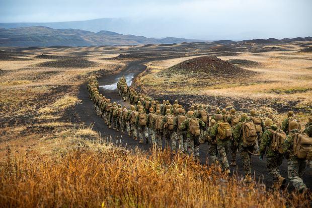 Amerykańscy marines ćwiczą na Islandii radzenie sobie w warunkach arktycznych, przed wyruszeniem na główną część Trident Juncture 2018