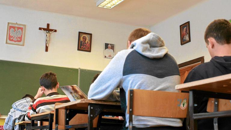 Czy nauczyciele religii byliby dobrymi wychowawcami?