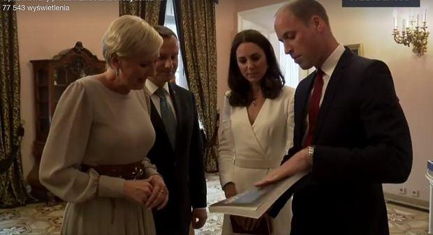 Zdjęcie numer 10 w galerii - Andrzej Duda podarował Kate i Williamowi szablę. A co dostali w zamian? Klasyczny zestaw