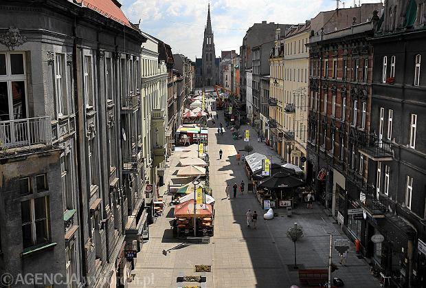31.07.2013 Katowice . Ulica Mariacka .  Fot . Dawid Chalimoniuk / Agencja Gazeta   SLOWA KLUCZOWE: mariacka