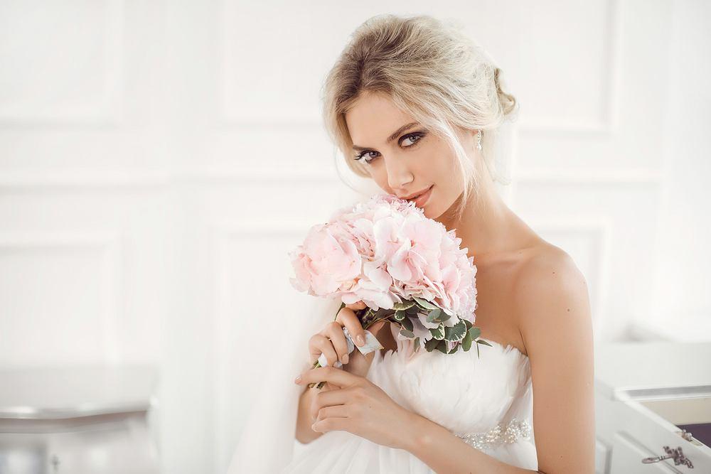 Makijaż ślubny Dla Brunetek I Blondynek Jak Dobrać Ceny Porady