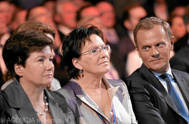 Hanna Gronkiewicz-Waltz, Ewa Kopacz i Donald Tusk podczas krajowej konwencji PO w Chorzowie, czerwiec 2013 r.