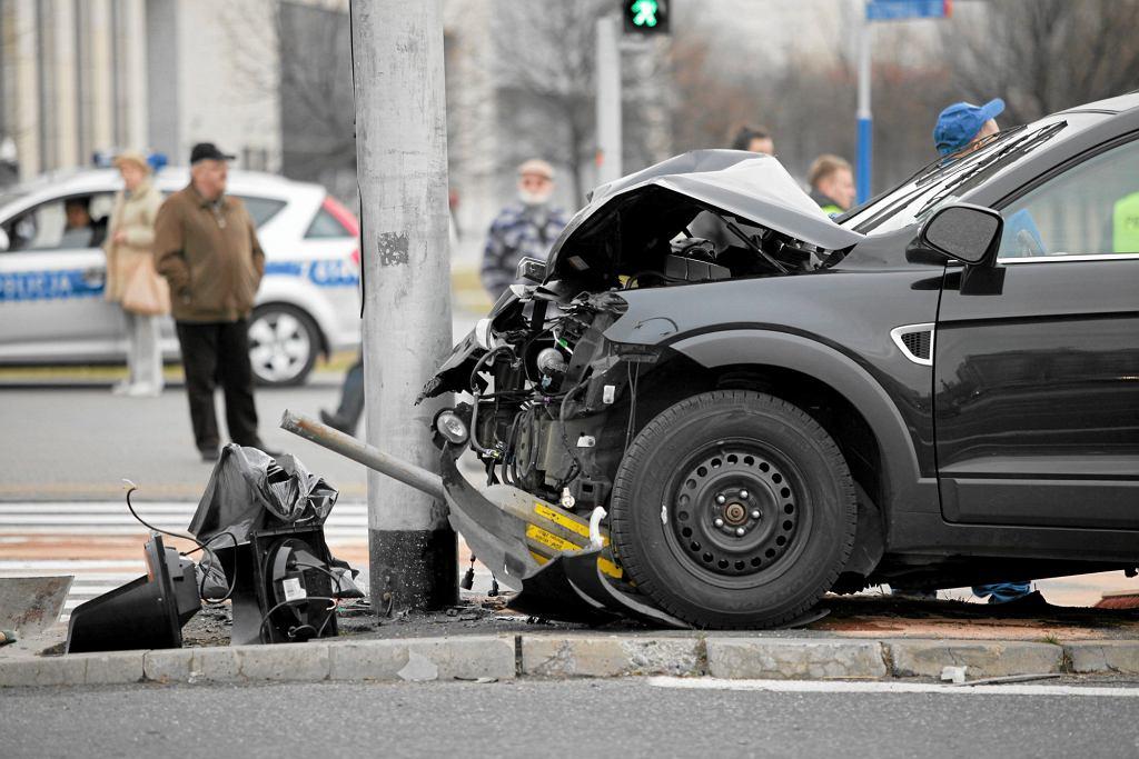 O wiele chętniej od wypadku ubezpieczamy nasze samochody, niż nas samych (fot. Franciszek Mazur / Agencja Gazeta)