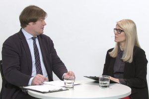 """Temat dnia """"Gazety Wyborczej"""": Ekspert z Fundacji Helsi�skiej: """"Obecny proces tworzenia prawa  pomija konsultacje spo�eczne"""""""