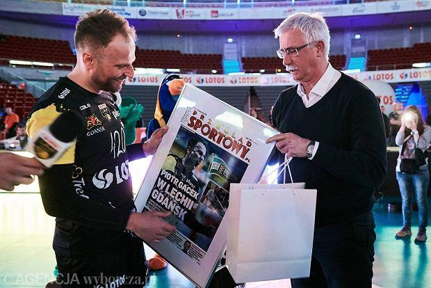 Piotr Gacek po raz ostatni odbił piłkę. Lotos Trefl hucznie pożegnał wielkiego siatkarza [WIDEO]