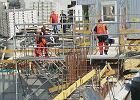 Robotnik zgin�� na budowie metra. Spad� z 10 metr�w