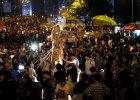 Gro�ne ultimatum dla protestuj�cych w Hongkongu. Kto nas�a� mafios�w z triad?