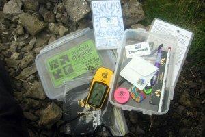 Poszukiwanie skarbów XXI wieku. Geocaching to globalna gra terenowa trwająca nieustannie obok nas