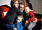 Sąd miał zabrać samotnemu ojcu z Łodzi szóstkę dzieci. Ale jest przełom w sprawie!
