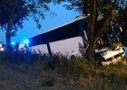 Wypadek busa z pracownikami Amazona. Kierowca nie żyje [FOTO]